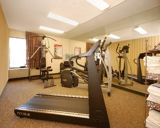 New Victorian Inn & Suites: Fitness Center
