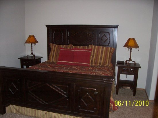 Torreon Golf Club: Master bed