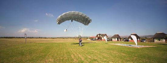 SkyDive Rustenburg - Tandem SkyDive Parachute Landing