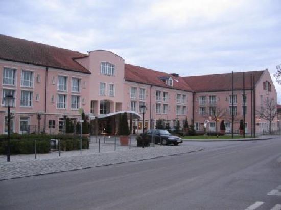 Maximilian Quellness- und Golfhotel: Außenansicht