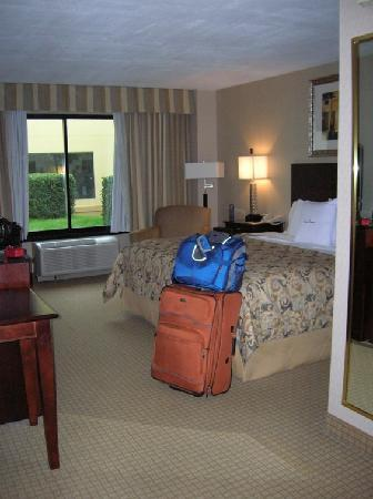 DoubleTree by Hilton Charlotte Airport : spacious room!