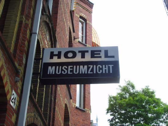Hotel Museumzicht: From the Outside