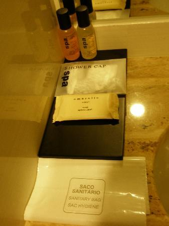 Luxe Hotel by Turim Hoteis: Gel. champú...