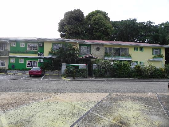 Canal Inn Front View