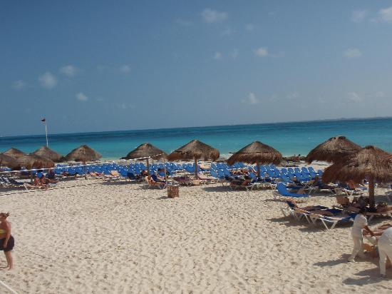 Hotel Riu Cancun: playa