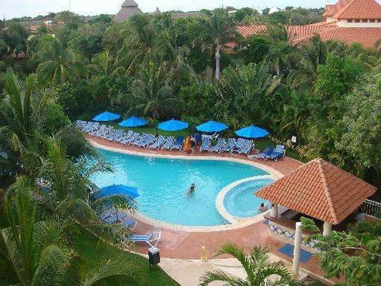Bonitas piscinas picture of viva wyndham maya playa del for Piscinas lindas