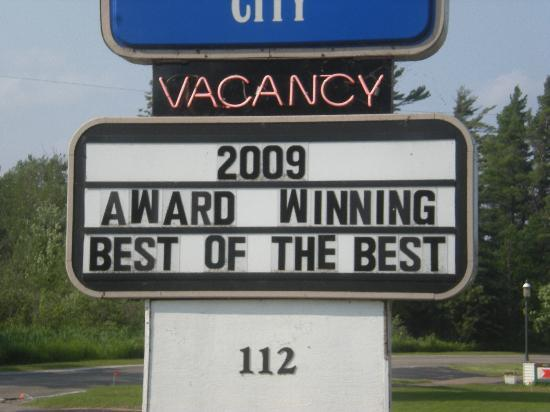 Americas Best Value Inn Mackinaw City: Not sure who voted this hotel the best theyre wrong
