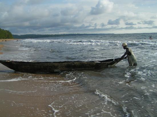 Cameroon: plage de kribi