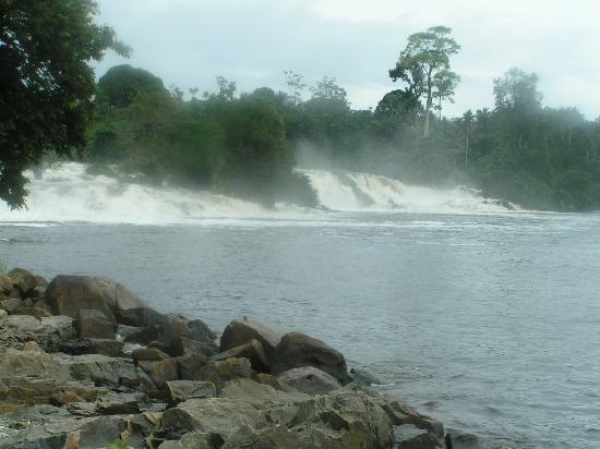 Cameroon: cascades du fleuve lobé