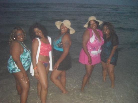 Sunbird Suites: BDAY GIRL IN THE PINK!