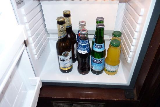 Hotel Excelsior: FREE mini bar content