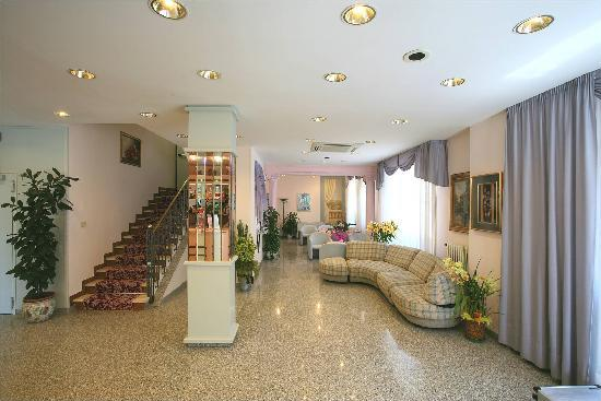 Hotel Lory: Hall