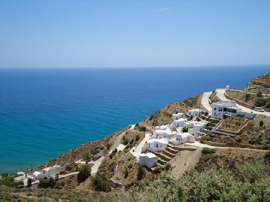 Anafi, Hellas: The Apollon village from the road