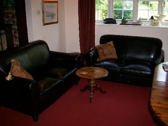 The Harrow Inn: TV Lounge
