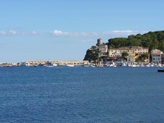 Marina di Campo, Italie : vista costa est