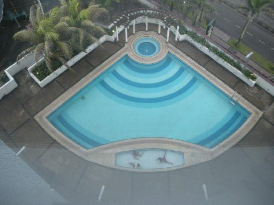 M Hotels: 360 hotel swimming pool