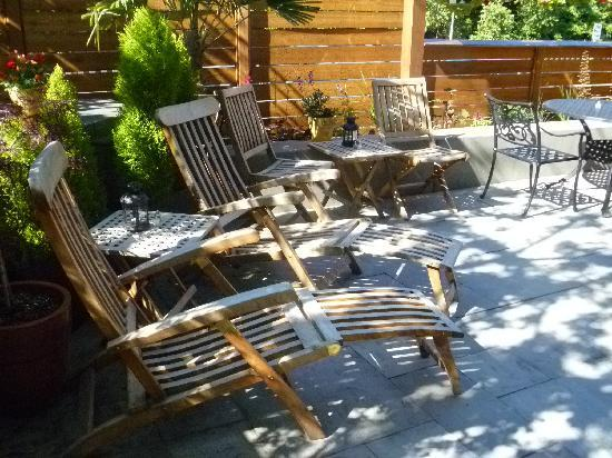 Chelsea Station: Back patio in sunshine