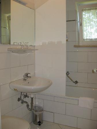 StayMunich Serviced Apartments: Bathroom