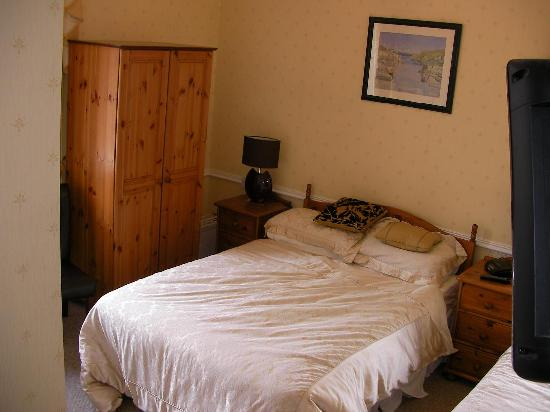 West End Guest House: Room 2