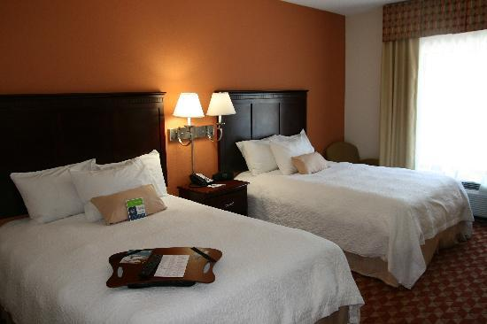 Hampton Inn Kingsland: standard 2 queen room