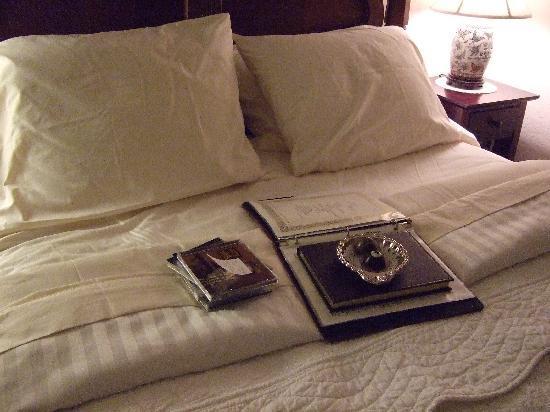 Weaverville Hotel & Emporium: Bedtime Truffles!!!!