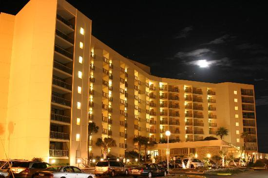 The Dunes Condominiums: Fabulous Moon Rising over The Dunes