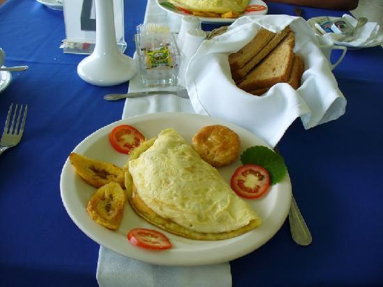 Fern Hill Club Hotel and Villa Resort: Delicious omelet