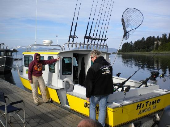 Nice halibut pat 39 catch picture of hi time charters for Juneau fishing charters