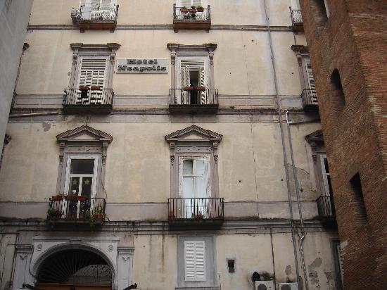 Neapolis Hotel: VISTA DALL' ESTERNO