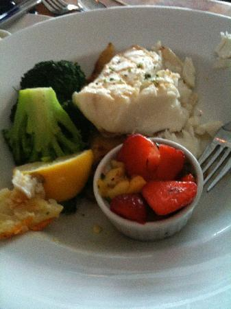Anthony's HomePort Gig Harbor: Halibut with Strawberry Salsa