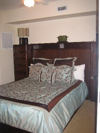 Riverview Suites: Bedroom