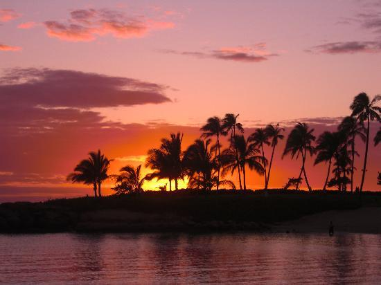 Marriott's Ko Olina Beach Club: The most beautiful sunsets are here...