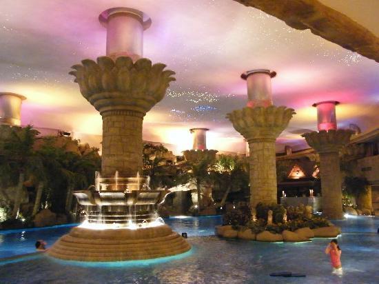 Best indoor pool picture of grand hyatt beijing beijing tripadvisor for Grand hyatt beijing swimming pool