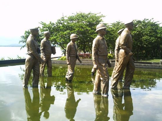 Leyte Island, Philippines: statue of Gen. Douglas Mac Arthur & his men