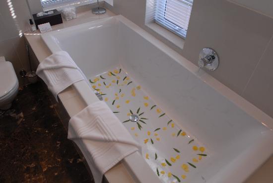 O on Kloof Boutique Hotel & Spa: Bathroom