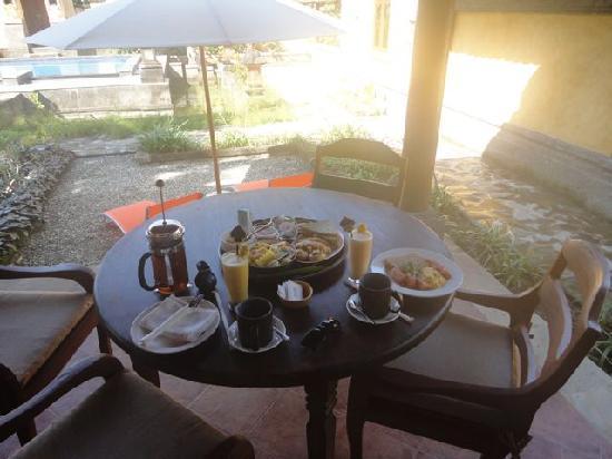 Rumah Bali : Breakfast