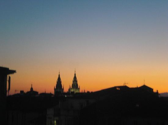 Hostal La Salle: Nightly view