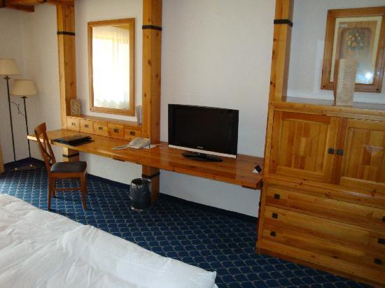 Kempinski Hotel Grand Arena: Chambre standard