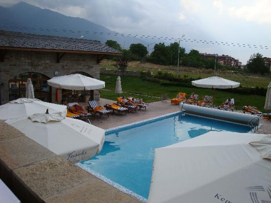 Kempinski Hotel Grand Arena: Piscine