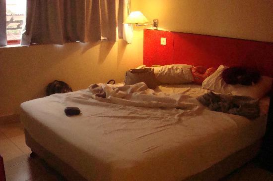Replica Inn - Bukit Bintang : our bed