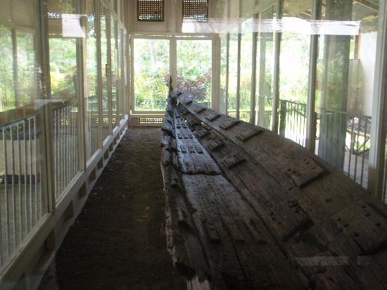 Balangay Shrine Museum: balangay boat 2