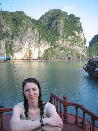 Hanoi Dolphin Hotel: Ms Nelson