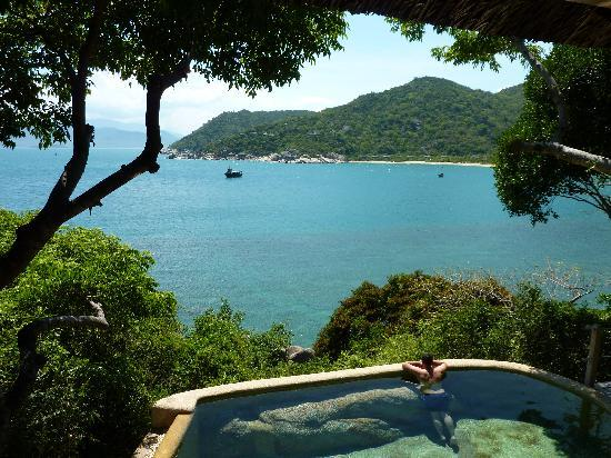 Six Senses Ninh Van Bay: Hill villa and pool