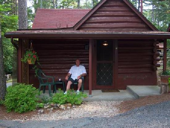 Tall Pines Inn: Our Cabin