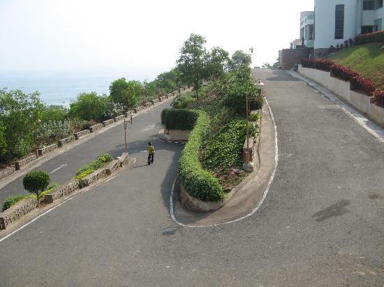 Punami Rishikonda: Approach
