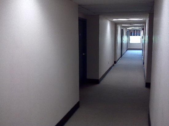 SGH Residence: Hallway