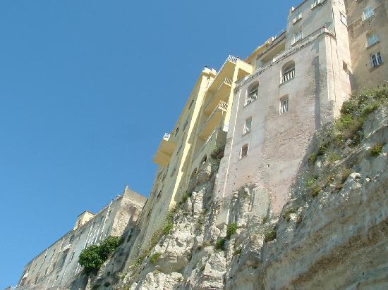 Centro storico di Tropea a picco sul mare