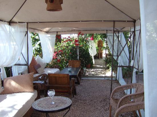 Hostal Buenavista: Inside 2 of the Gazebo's