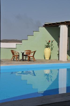 Carlo bungalows hotel ormos agiou ioannou gr ce voir for Bar la piscine paris 18