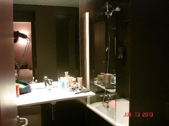 Le Fabe Hotel : Bathroom